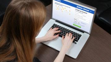Adolescente de 15 ans tente de se suicider en direct sur Facebook