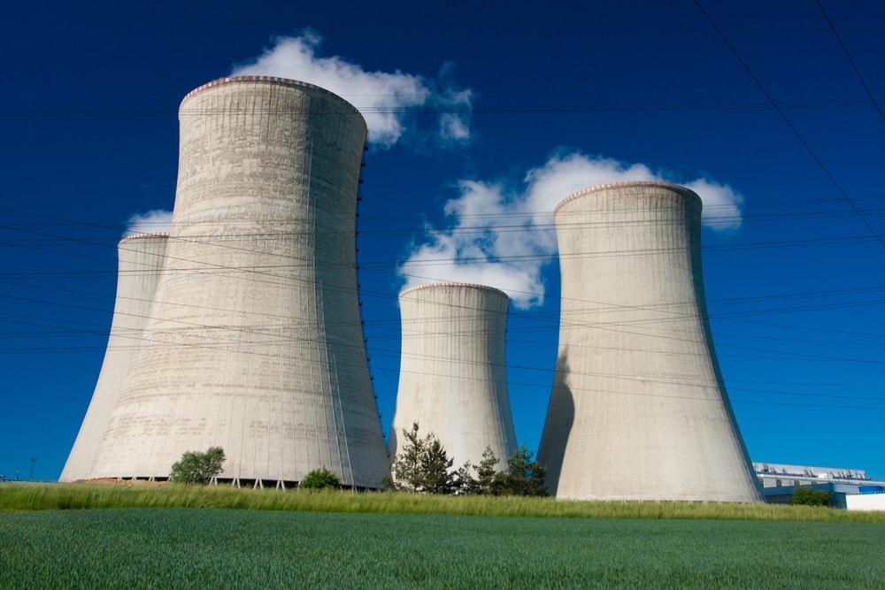 Fermeture de 17 réacteurs nucléaire d'ici 2025, en France — Nicolas Hulot